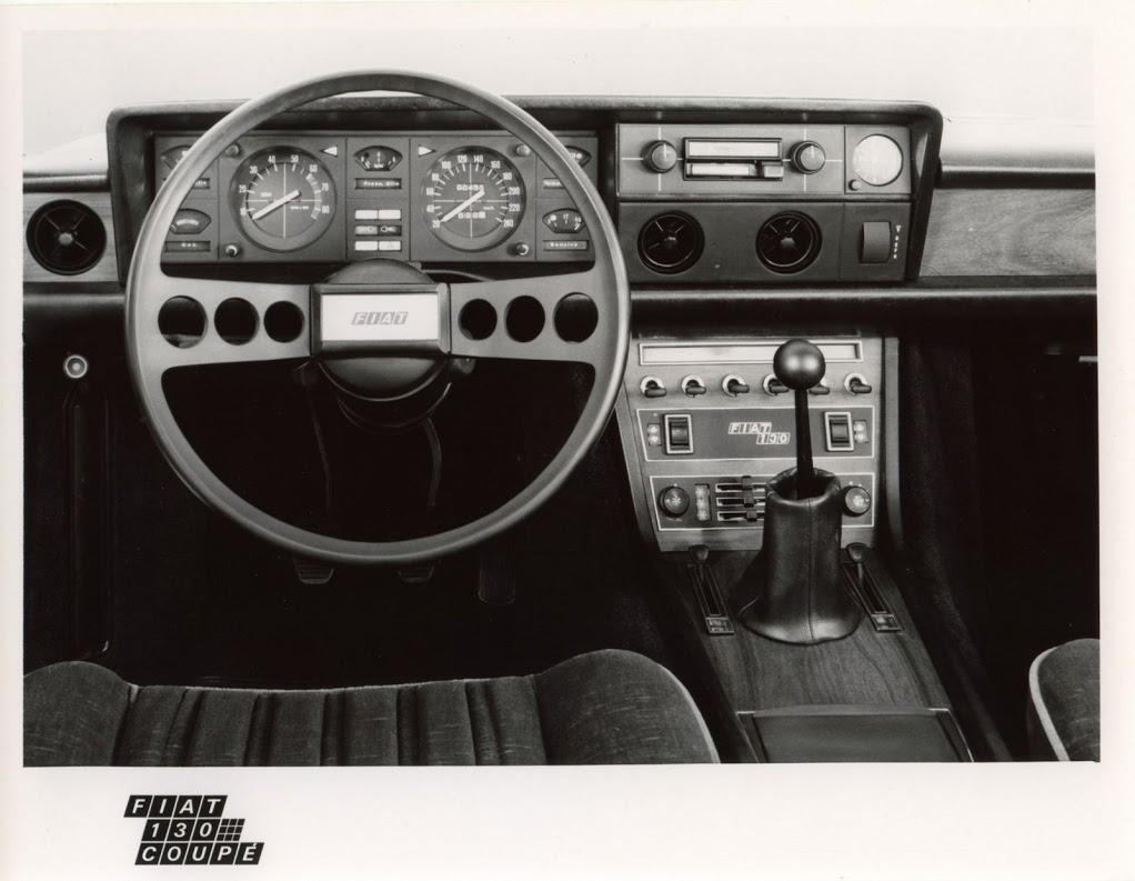 Fiat 130 Coupe Interieur