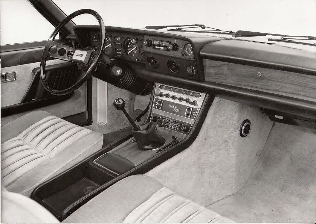 Fiat 130 press photos
