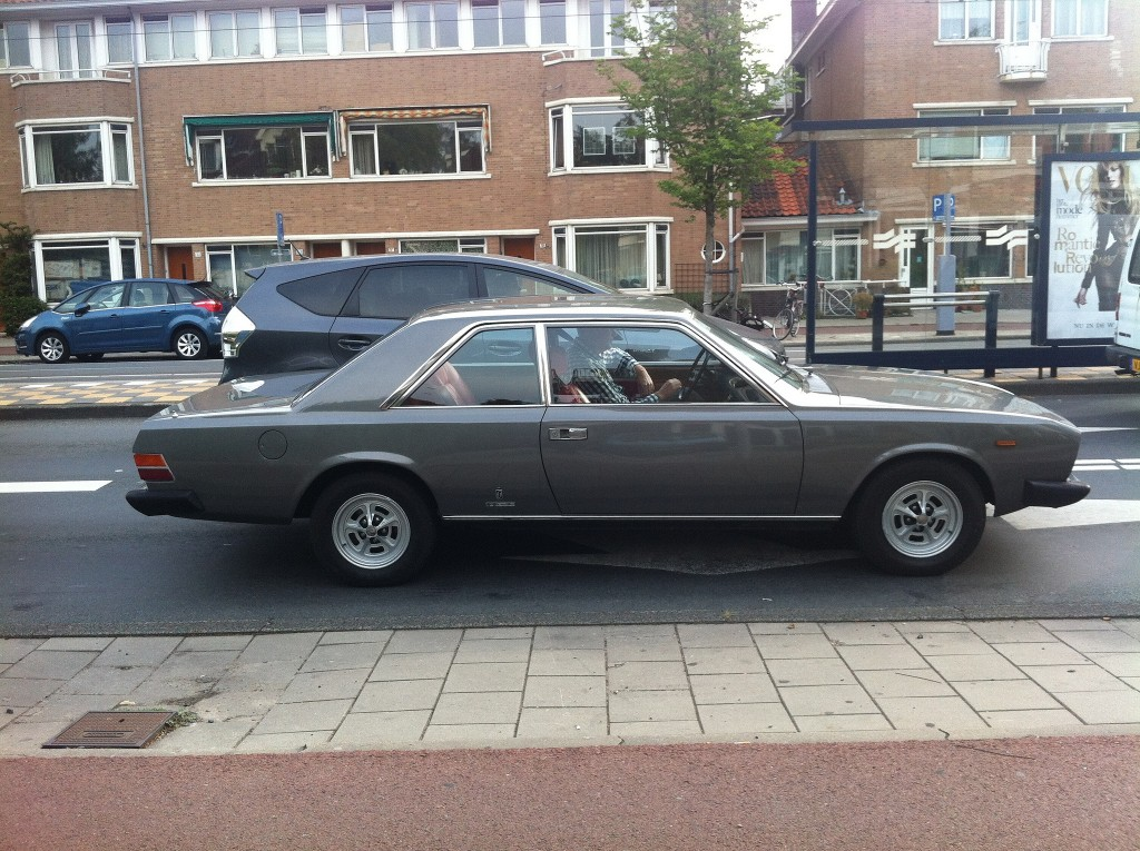 Fiat 130 in de Watergraafsmeer