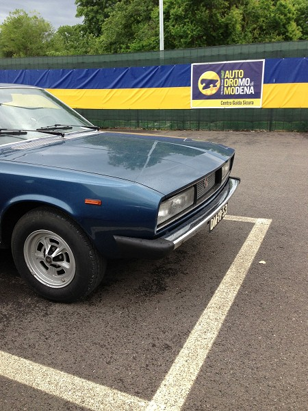 Fiat 130 met Italyherewe.com