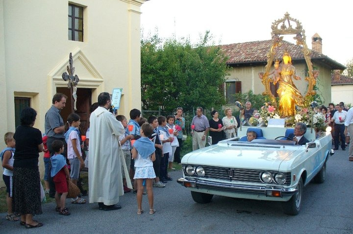 Fiat 130 processione