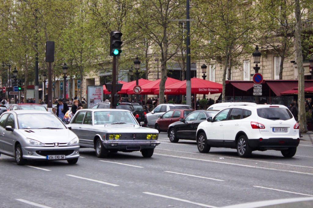 Fiat 130 Champs Elysee