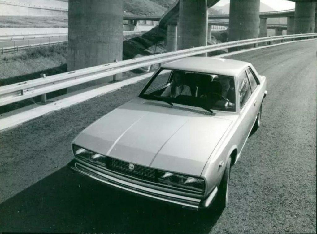 Fiat 130 press photo